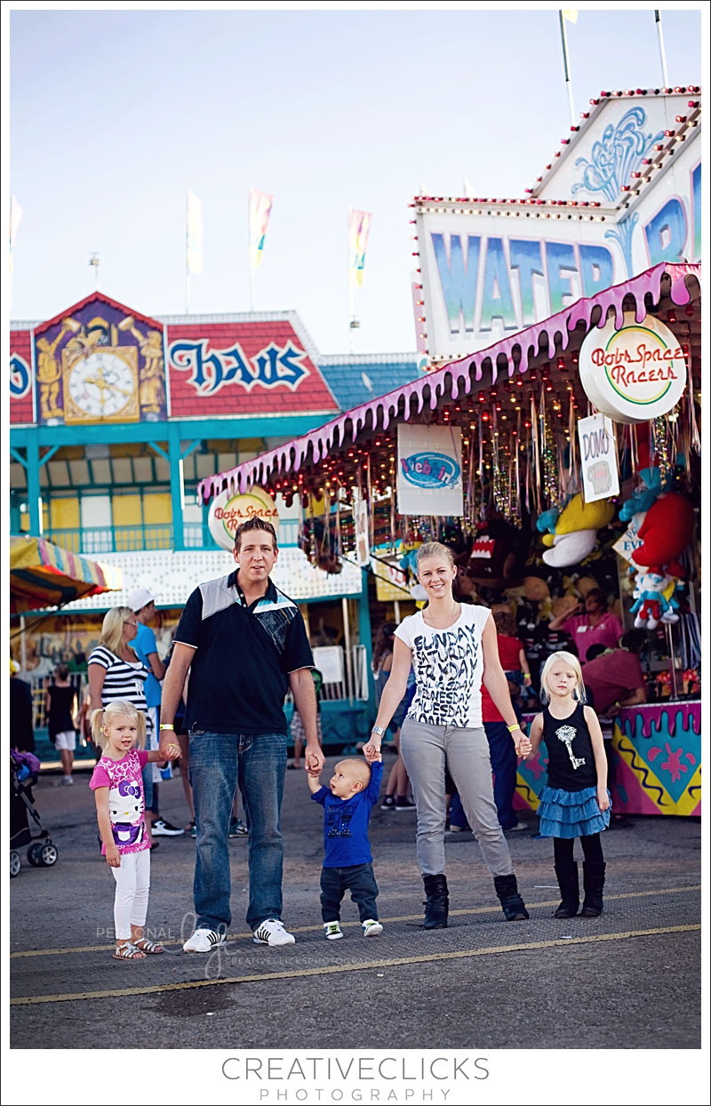 Family at the fair photography session