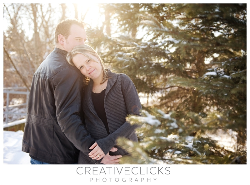 Winter Maternity Session Outdoors