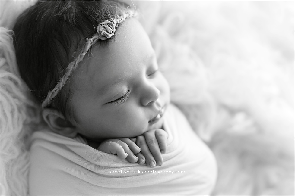 Niagara baby photographer avery fresh life creative clicks photography